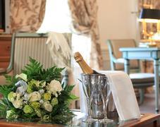 Offre fleurs-champagne  au Chateau de la Motte Fen