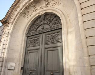Etape 5 - La rue de l'Epee - entree du musee c#Stu