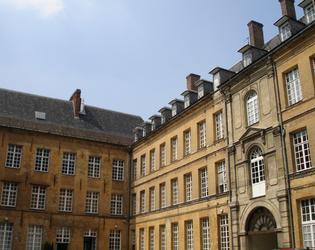 Etape 2 - Rue du Grand Seminaire College des Jesui