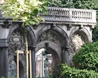 04. Le portail de l'ancien palais episcopal c#Decl