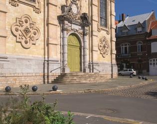 17. La facade de la chapelle des Jesuites c#Yannic