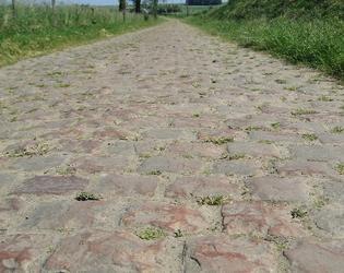 les pavés du Paris Roubaix à Troisvilles