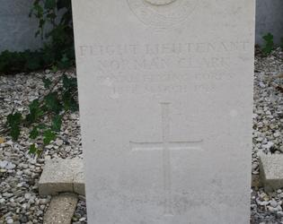 Awoingt commonwealth war graves