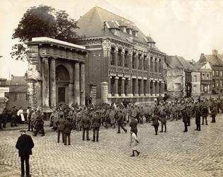 Place du commandant Richez, Le Cateau-Cambresis-Co