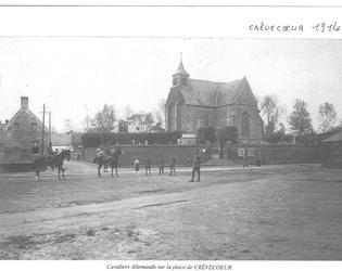 Cavaliers allemands sur la place de Crèvecoeur en 1914