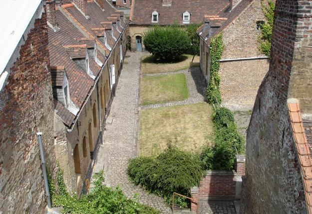 Béguinages Saint-Vaast, vue d'en haut, Cambrai