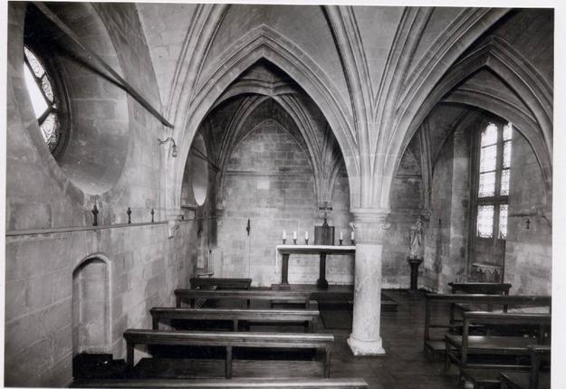 Intérieur de la chapelle du refuge Vaucelet