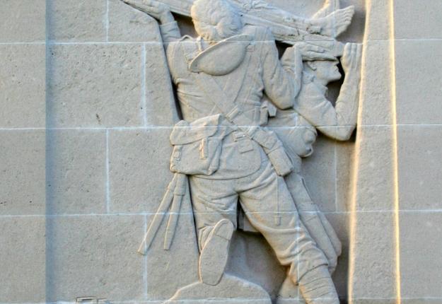Bas-relief droit - Mémorial de Louverval