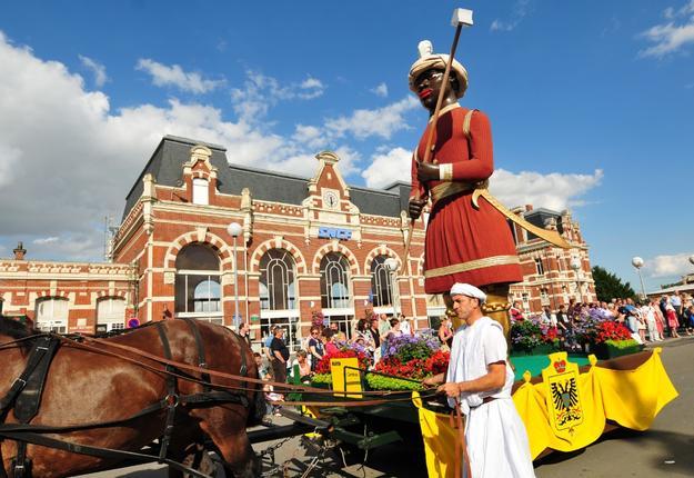 Cortège carnavalesque, géant Martin, Cambrai