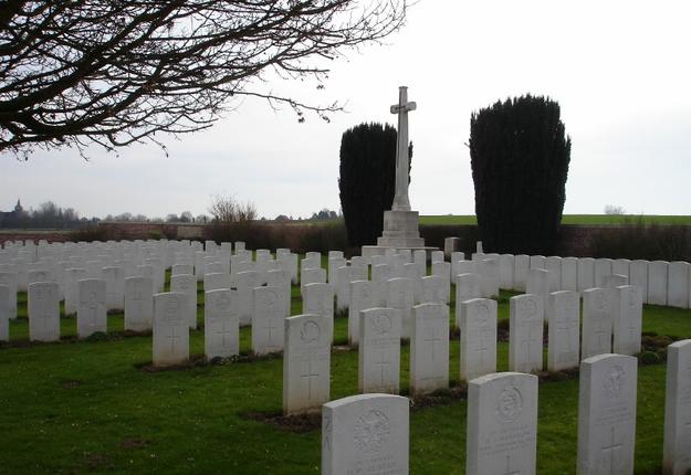 naves communal cemetery