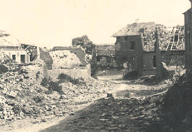 le hameau repris par les allemands a été ravagé par les tirs de l'artillerie britannique