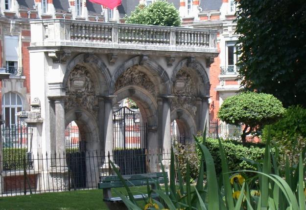 Porte du palais archiépiscopal, Cambrai